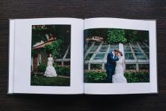 Полиграфическая книга 25x25 обложка фактурная серая ткань
